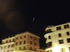 UFO in Piazza di Spagna? It's just a glow-in-the-dark frisbee.